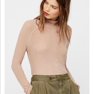 Free People So-soft Turtleneck Size Small